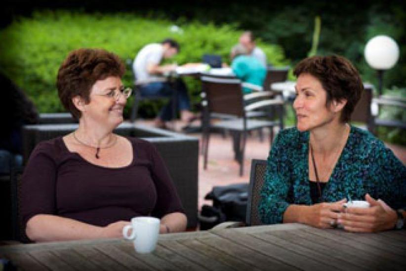"""Docenten Anita en Christine: """"We leren zelf veel bij. Onze eigen cultuur staat voortdurend in contrast met andere."""""""
