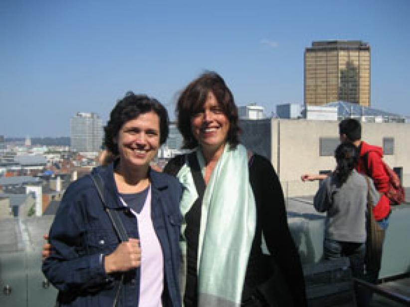 """Krisztina Soòs (Hongarije, links, naast Annelies de Jonghe): """"Alleen Nederlands studeren, daar heb je in mijn land niet zoveel aan."""""""